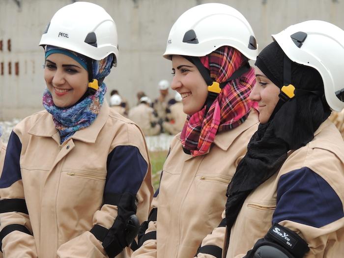 Fake whiteHelmets-Women-Syria